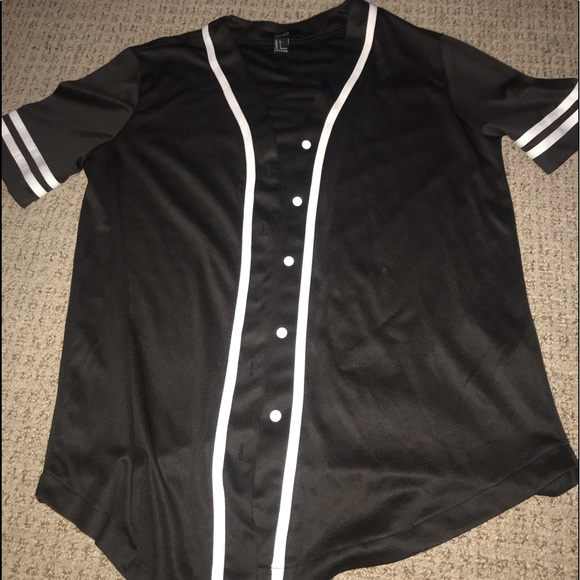 sale retailer 33a18 f38f1 Forever 21 Black Baseball Jersey